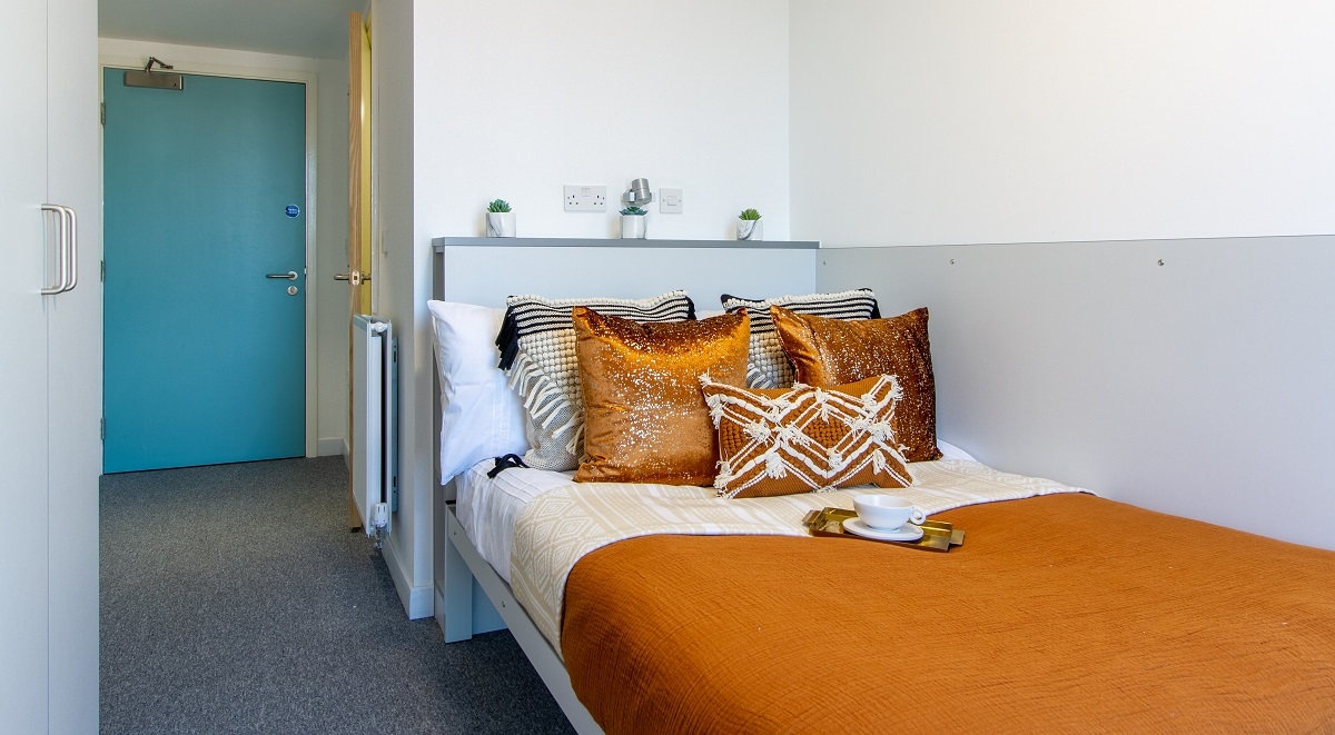 shared bedroom in the union leamington spa