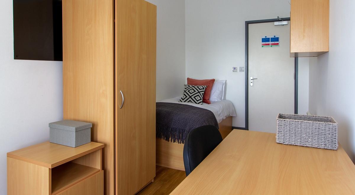 classic single room in alexandra hall aberystwyth