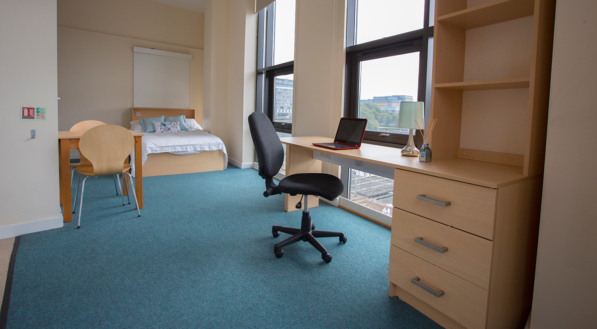 brayford quay medium student studio with a view