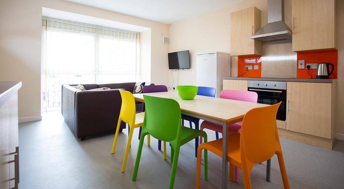 shared kitchen in brayford quay