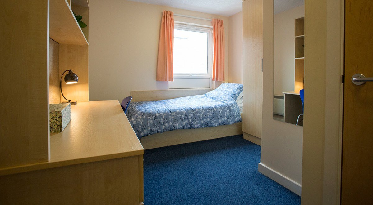 standard square student room lincoln