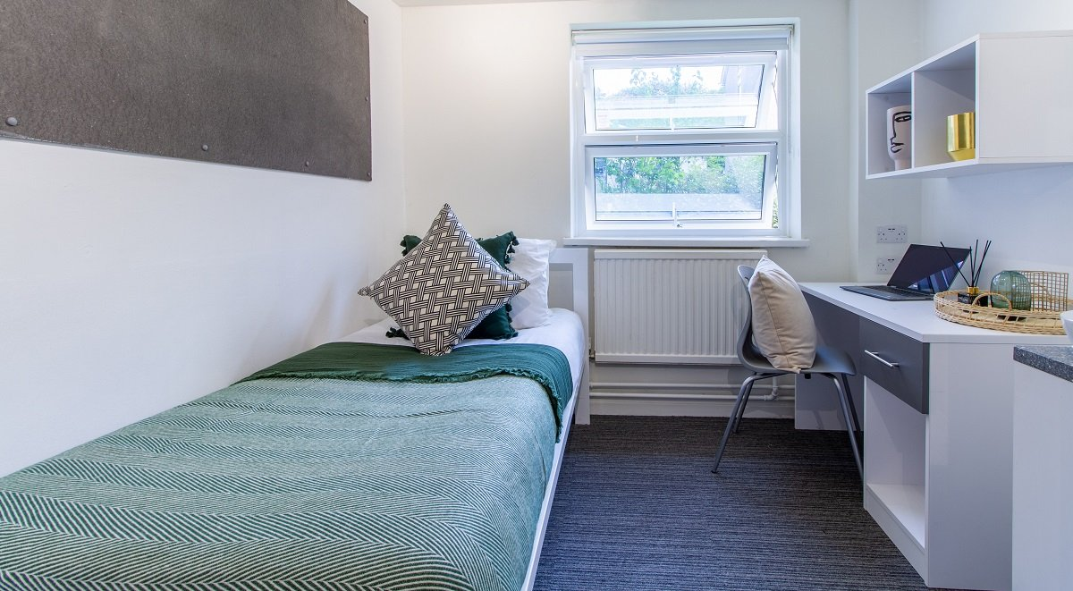 private bedroom Green Wood Court Southampton student accommodation