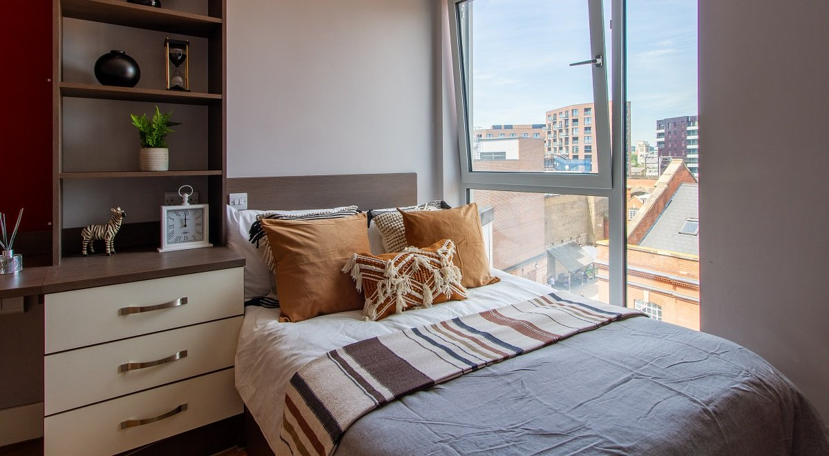 hawley crescent camden student studio bedroom with a view