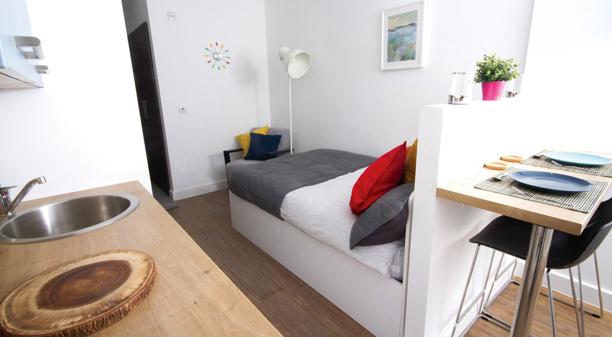bedroom in orbital nottingham