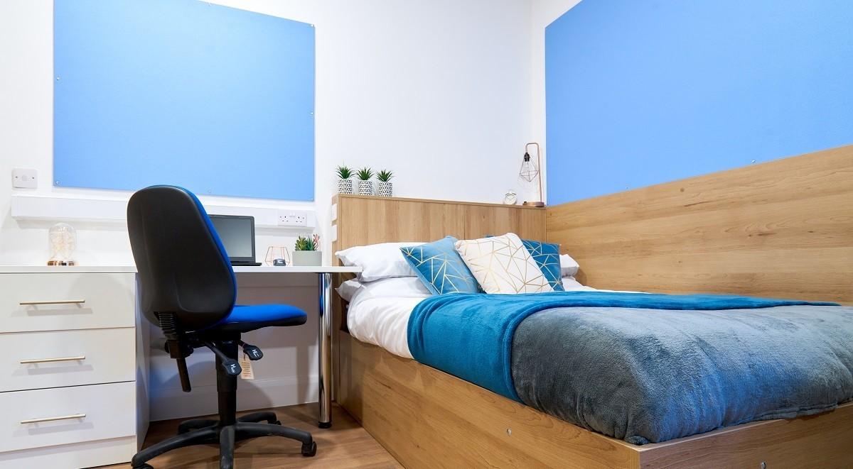 bedroom in st leondards house
