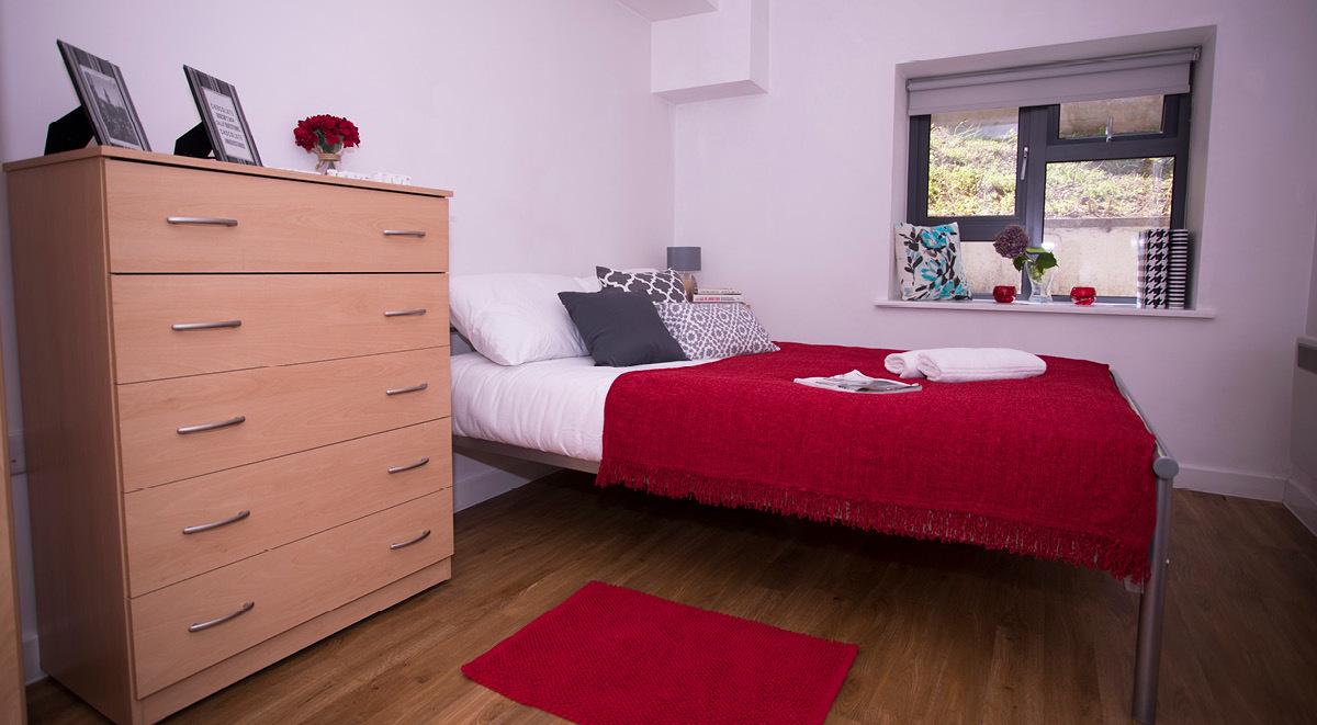 bedroom ensuite surrey quays landale house london student accommodation