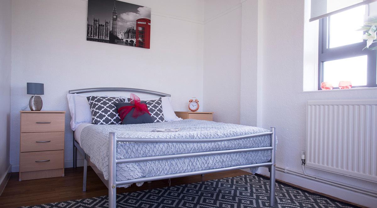 executive bedroom surrey quays landale house london student accommodation