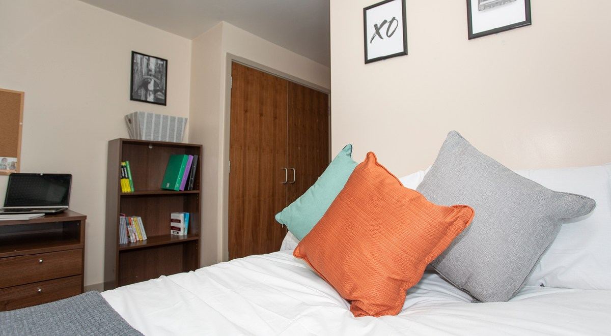 classic 5 ensuite bedroom The Wool Factory leister student accommodation