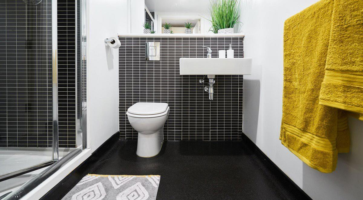 windsor court liverpool bathroom