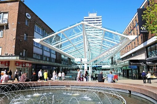 student shopping at coventry