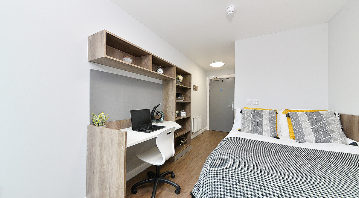 the mill house ensuite in edinburgh study