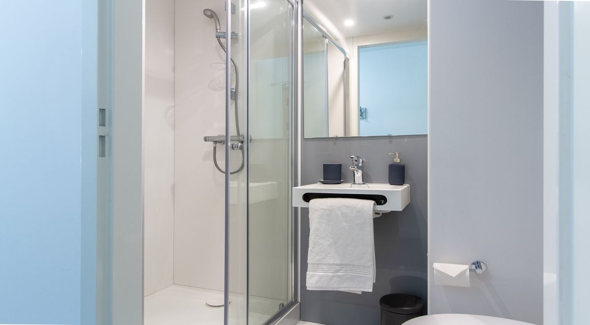 premium en suite bathroom in the croft derby