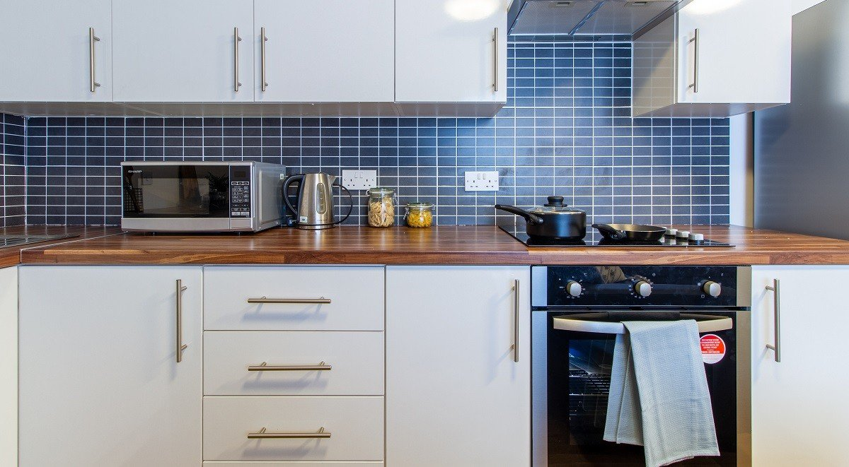 shared kitchen facilities in Canalside in Brimingham