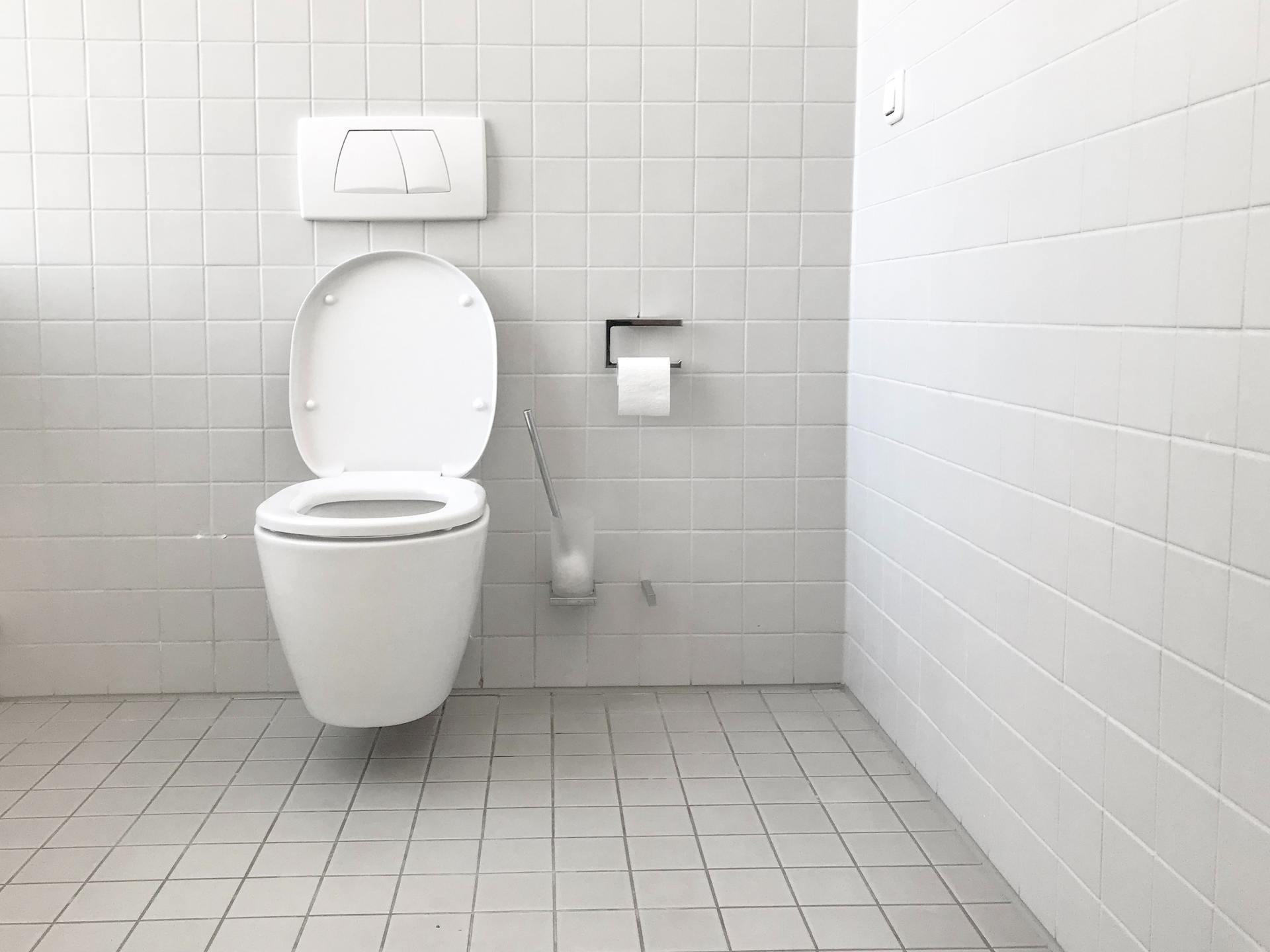 sharing a bathroom during coronavirus