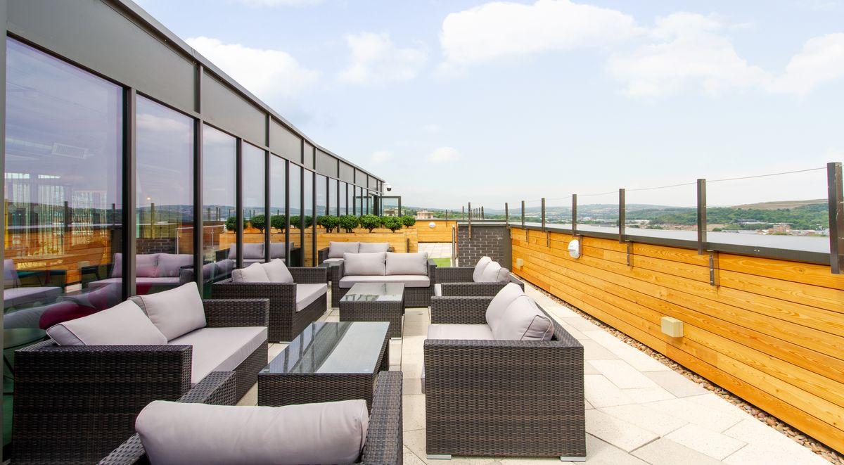 student-accommodation-steel-city-sky-deck