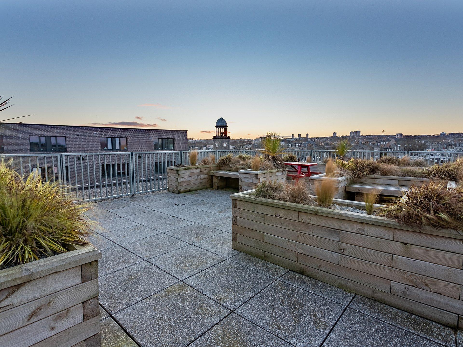 Aberdeen Powis Place Court Yard