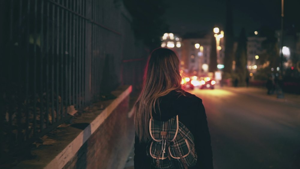 10 Best Apps To Help You Feel Safe When Walking Home Alone At Night