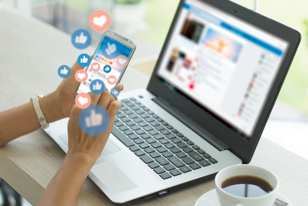 HFS Info Hub: The Advantages And Disadvantages Of Social Media