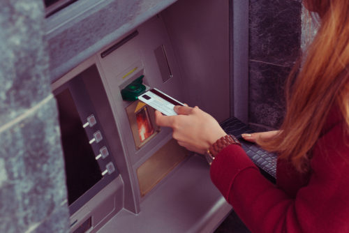 withdrawing cash from your credit card